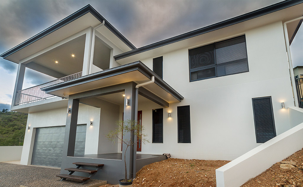 Professional Painting & Decorating and Roof Painting